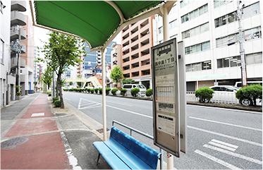 西中島1丁目のバス停